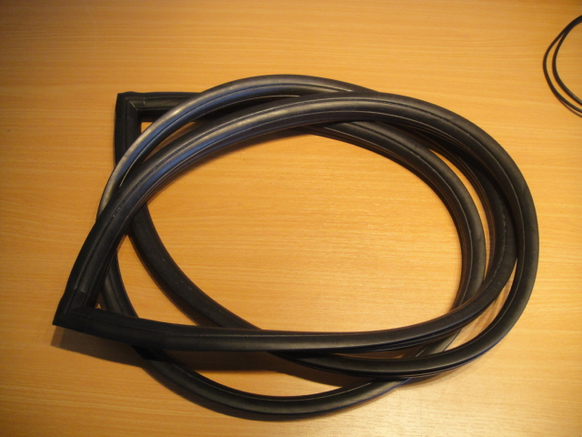 ford escort mk2 front windscreen rubber rs
